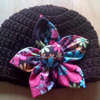crocheted hat brown with fabric flower